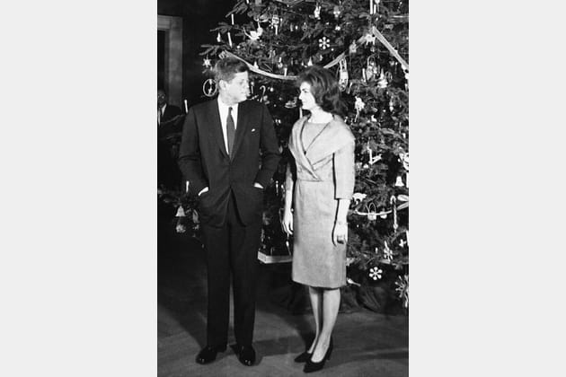 Jackie Kennedy en robe croisée
