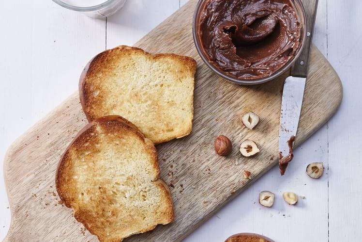 Pâte à tartiner maison riche en noisettes