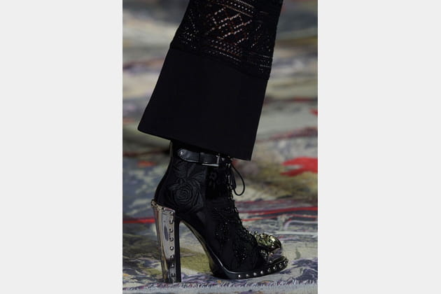 Alexander Mcqueen (Close Up) - photo 49