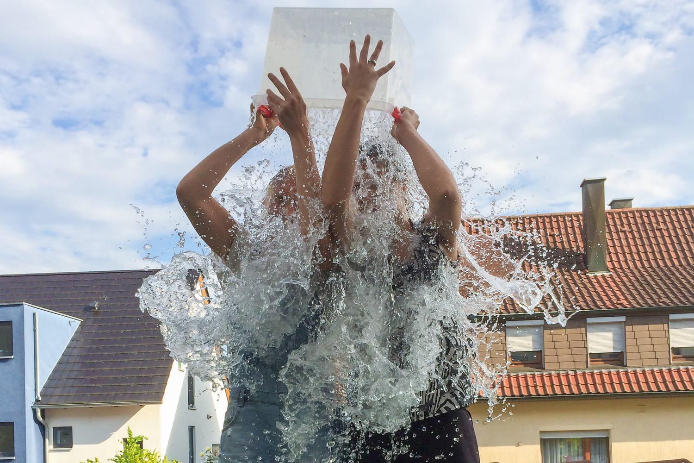 Quel bilan un an après l'Ice Bucket Challenge?