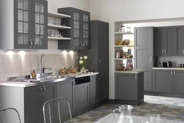 comment repeindre ses meubles de cuisine. Black Bedroom Furniture Sets. Home Design Ideas