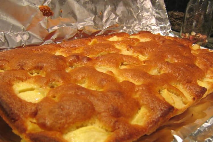 Clafoutis aux pommes, poires et fruits secs