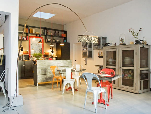 Une cuisine ouverte récup' et vintage