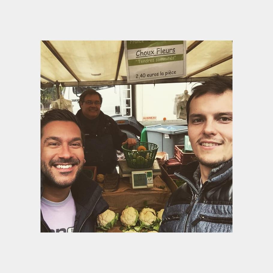 Denny Imbroisi et Juan Arbelaez, au marché