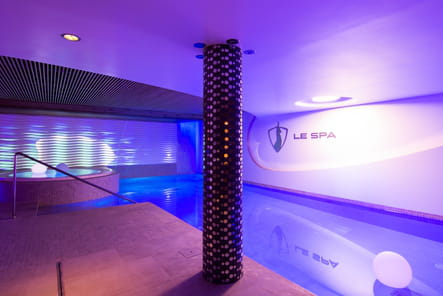 "La piscine du spa ""by L'Occitane"""