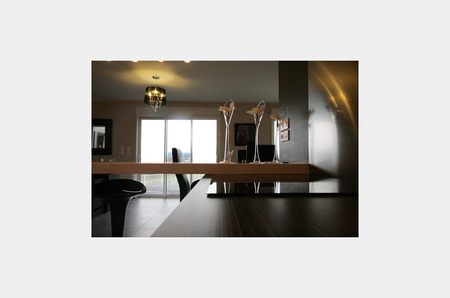 La baie vitr e des maisons modulaires pr tes vivre for Cuisine ouverte baie vitree