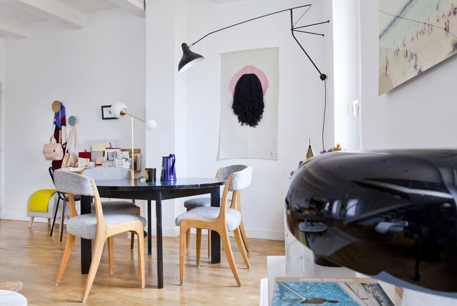 Une salle à manger arty dans le salon