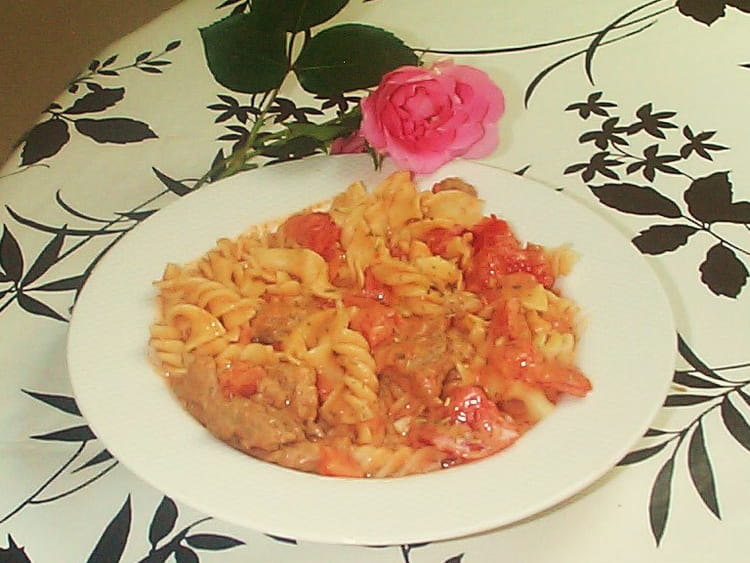 recette de tagliatelles et viande la tomate mozarella la recette facile. Black Bedroom Furniture Sets. Home Design Ideas