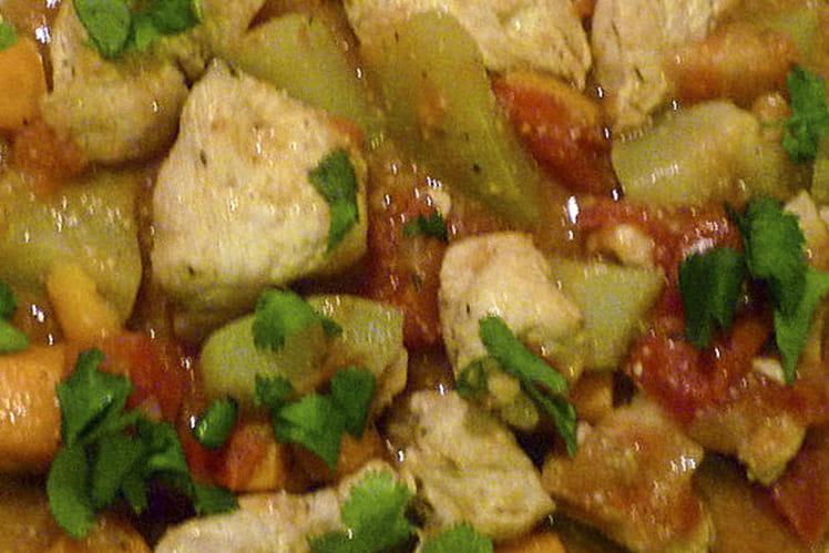 Dinde aux chayottes, carottes et tomates et sa sauce au colombo