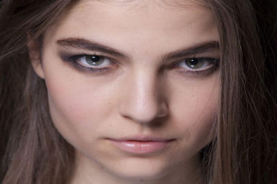 Fashion week prêt-à-porter New York : le maquillage charbonneux de Yigal Azrouël
