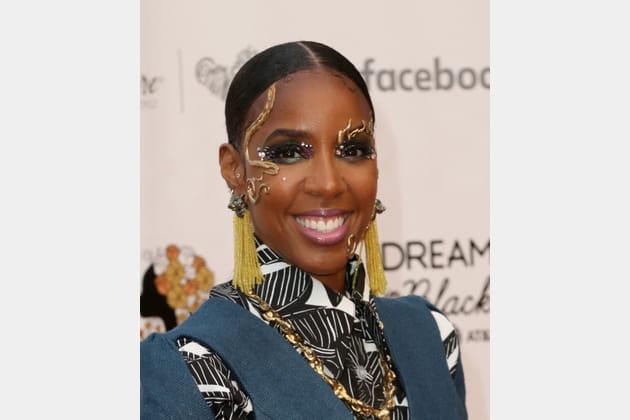 Flop: Kelly Rowland et son maquillage excentrique