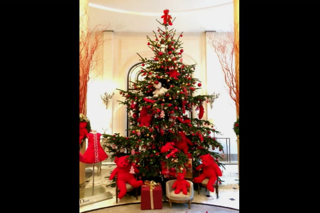 Le sapin de Noël du Plaza Athénée