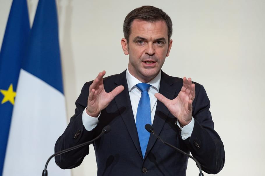 """Olivier Véran: ses fiestas,""""dîners à 8"""",""""raclettes à 15""""..."""