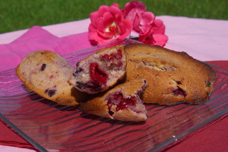 Madeleines coco, fruits rouges