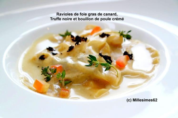 Ravioles de foie gras de canard, Truffe noire et bouillon de poule crémé