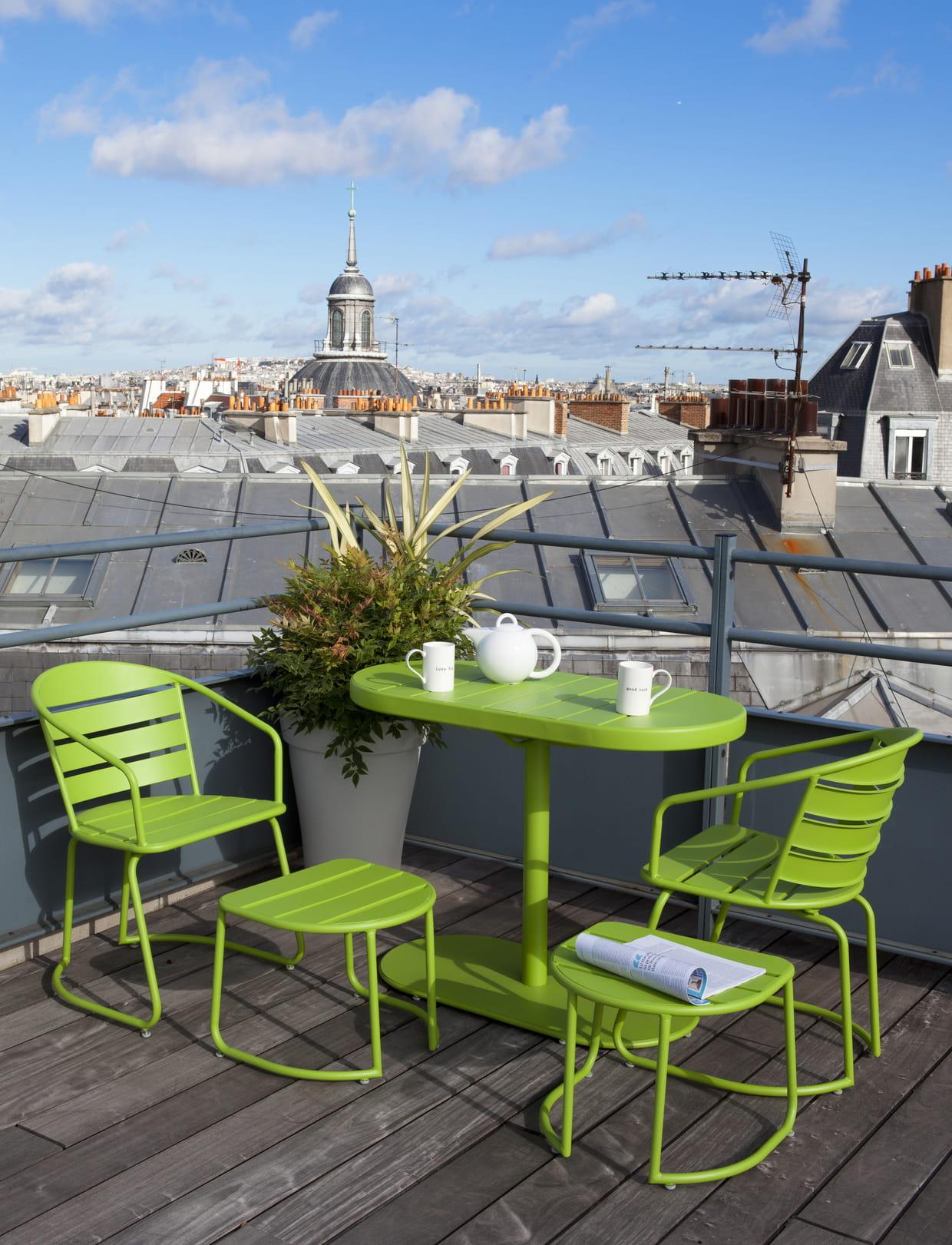 salon de balcon gain de place chez truffaut. Black Bedroom Furniture Sets. Home Design Ideas