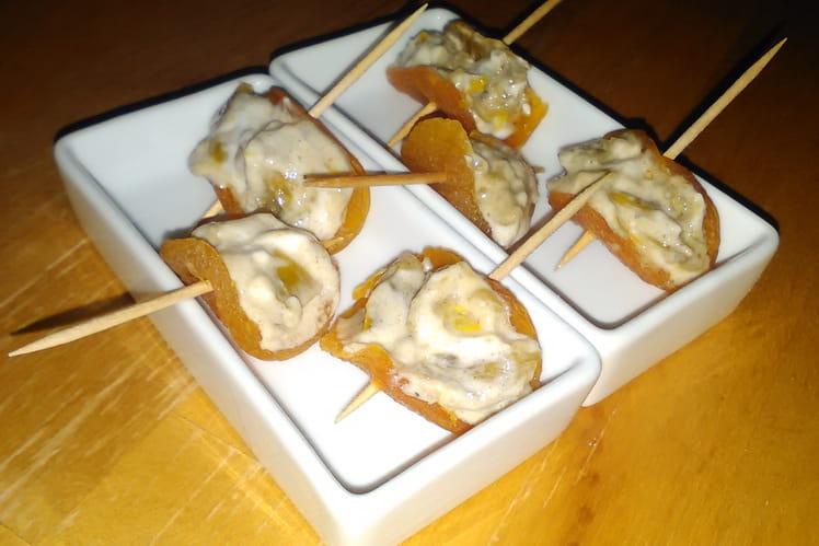 Bouchées apéritives d'abricots farcis