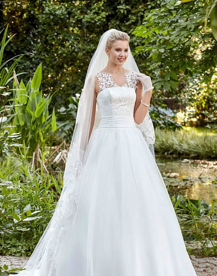 Robe de mariée Flora de Point Mariage