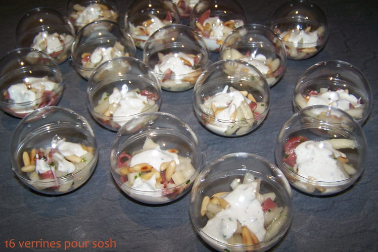 Verrine festive au magret séché, poire et crème de Saint-Agur