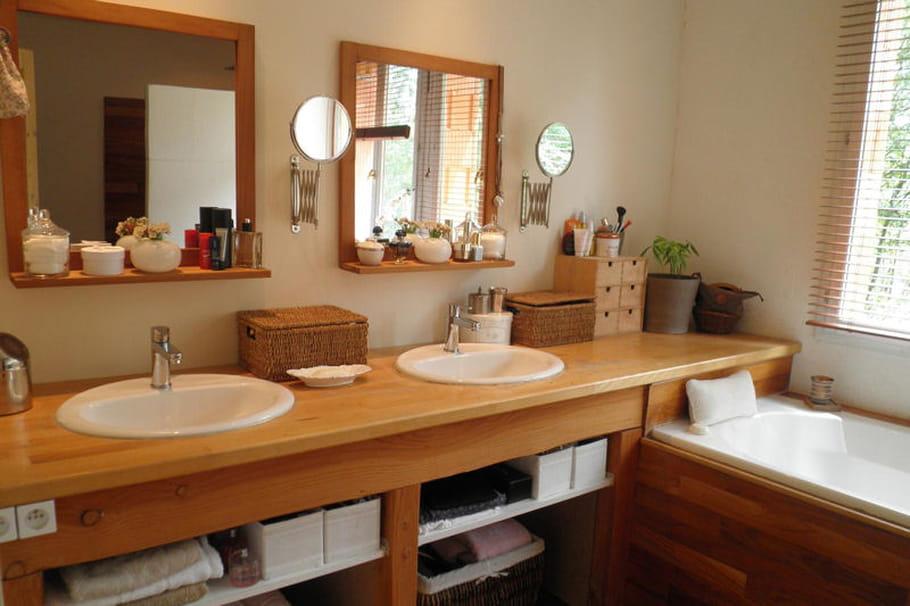 Salle de bains lumineuse for Salle de bain lumineuse