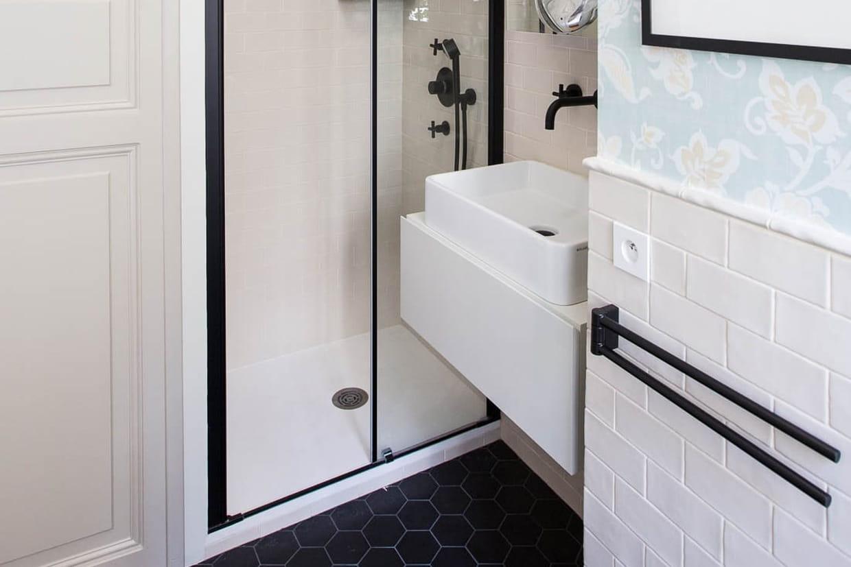 A Quelle Hauteur Poser Une Verriere a quelle hauteur fixer un lavabo ou une vasque ?