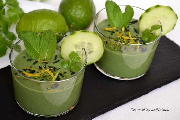recette de gaspacho de concombre et avocat citron vert et spiruline la recette facile. Black Bedroom Furniture Sets. Home Design Ideas