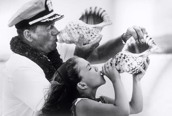 John Wayne et sa fille Aïssa, Honolulu, août 1964