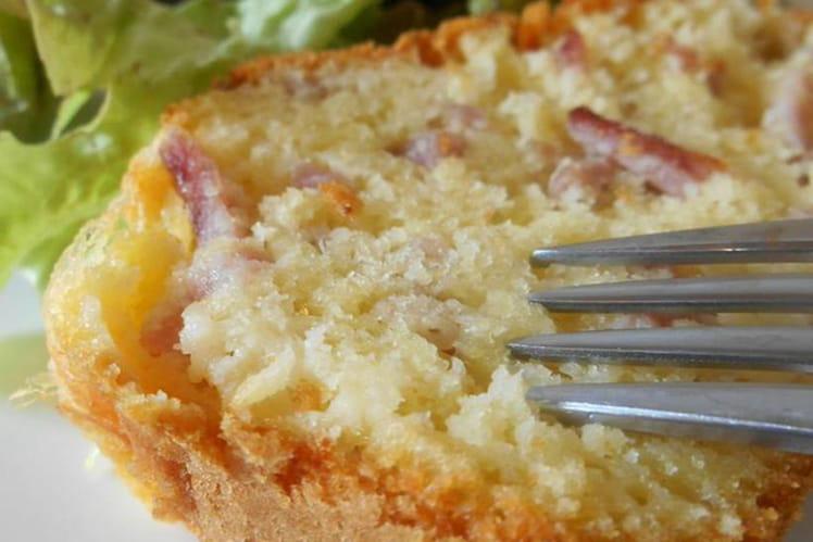 Cake jambon et gruyère