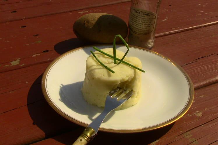 Purée de pommes de terre au sel truffe
