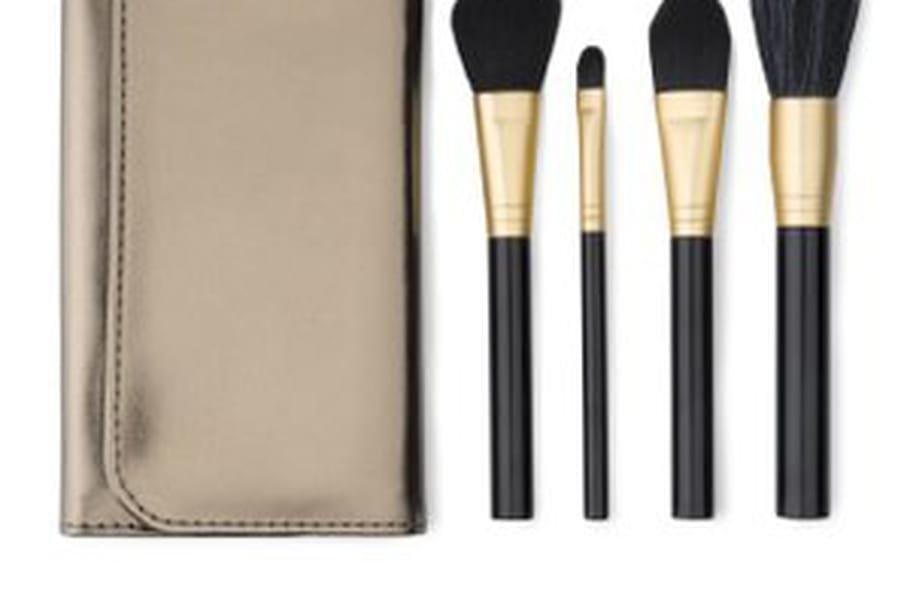 Feelunique lance sa gamme d'accessoires make-up