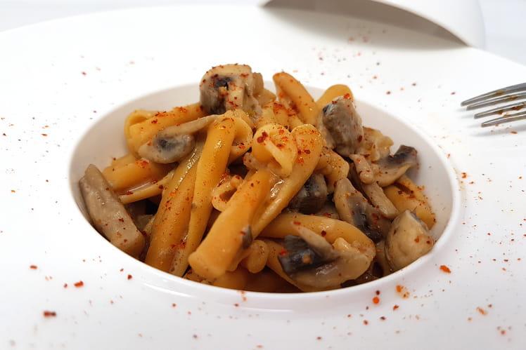 Pâtes champignons, piment et lait d'amandes