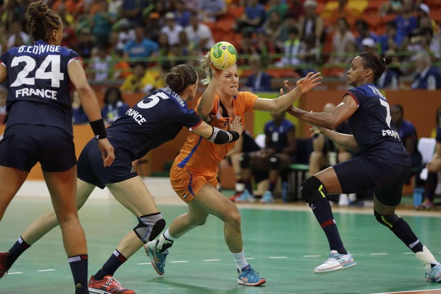 Des handballeuses auraient subi un test de grossesse contre leur gré