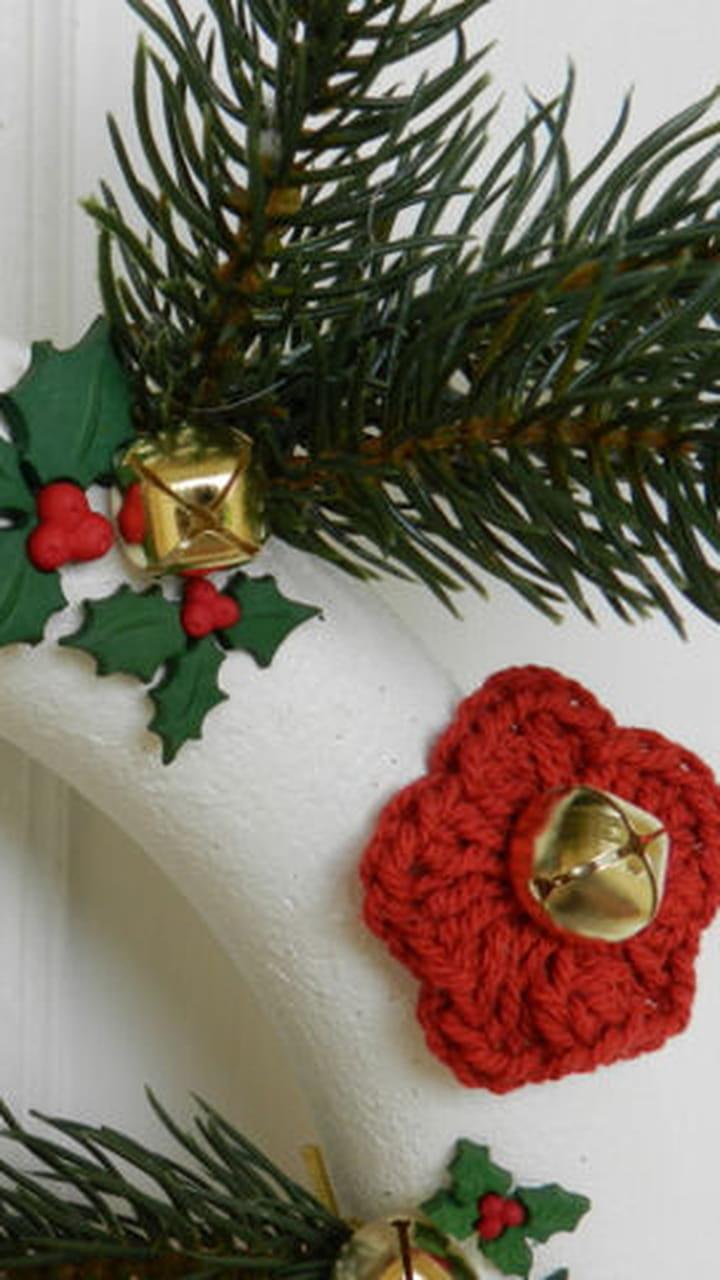 Fabriquer Deco Noel En Feutrine diy : une couronne de noël tradi en rouge et vert