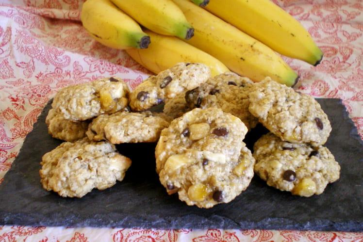 Cookies à l'avoine, banane et pépites de chocolat noir et blanc