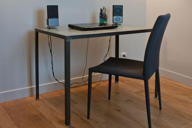 un bureau simple et classique. Black Bedroom Furniture Sets. Home Design Ideas