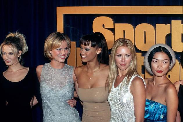 Karen Mulder, Eva Herzigova, Tyra Banks, Valeria Mazza et Navia le 18février 1997
