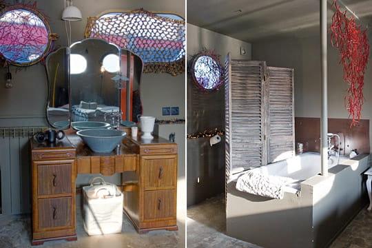 Salle de bains au paravent
