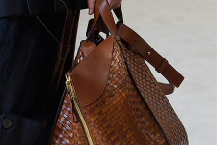 Loewe (Close Up) - photo 28