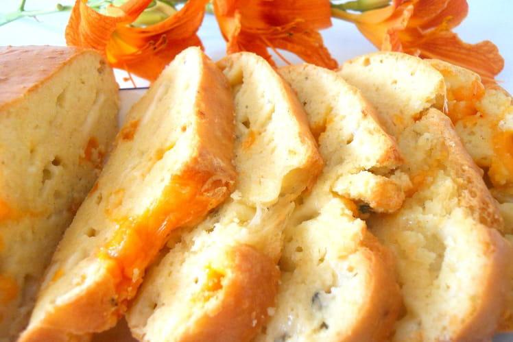 Cake moelleux au yaourt et aux trois fromages