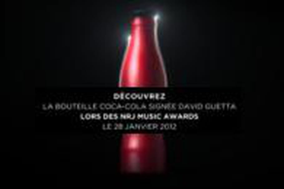 David Guetta signe la bouteille Club Coke 2012
