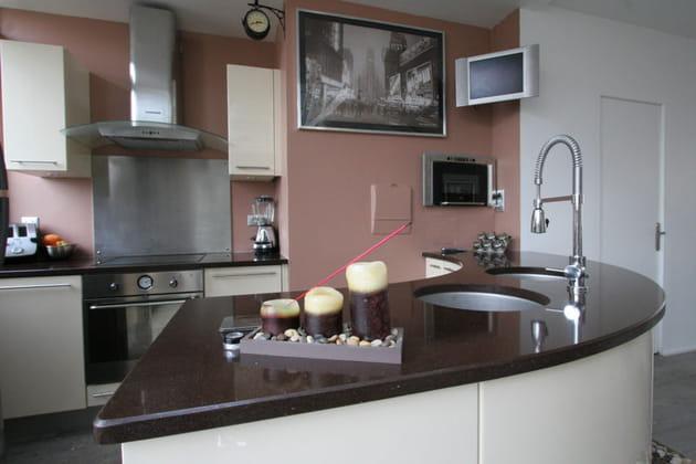 Cuisine rose p le et marron - Cuisine marron ...