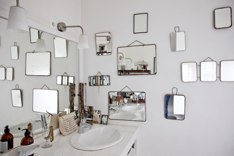 Salle D Eau Blanche Et Bois la salle de bains blanche du sol au plafond : une valeur sûre