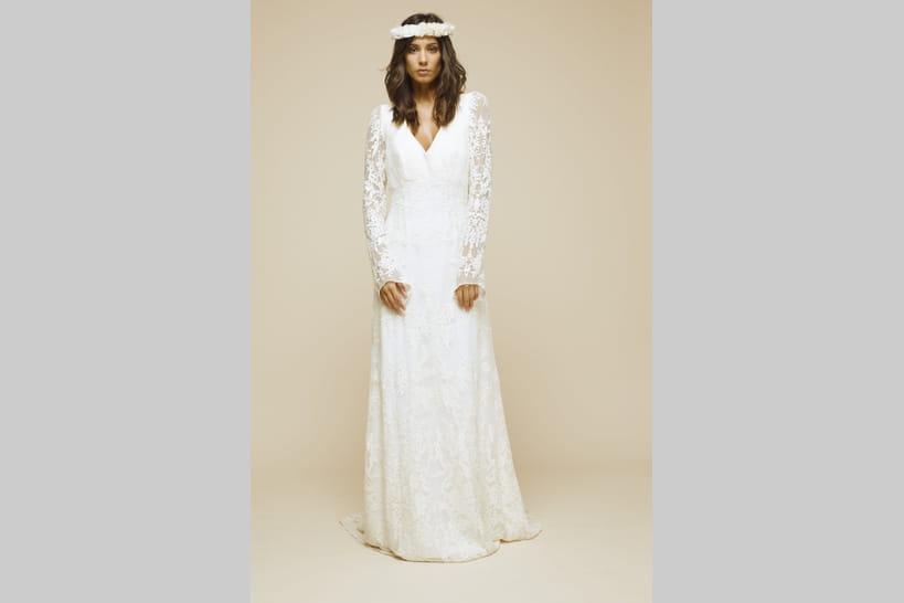 des robes manches longues pour les mariages d 39 hiver. Black Bedroom Furniture Sets. Home Design Ideas