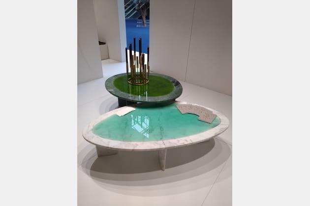 Les tables basses en marbre et résine par Carla Baz