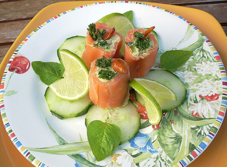 recette assiette de saumon farci truite et avocat la recette facile. Black Bedroom Furniture Sets. Home Design Ideas