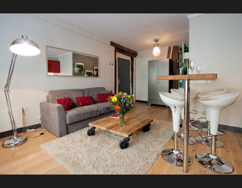 Une table basse indu dans un séjour moderne