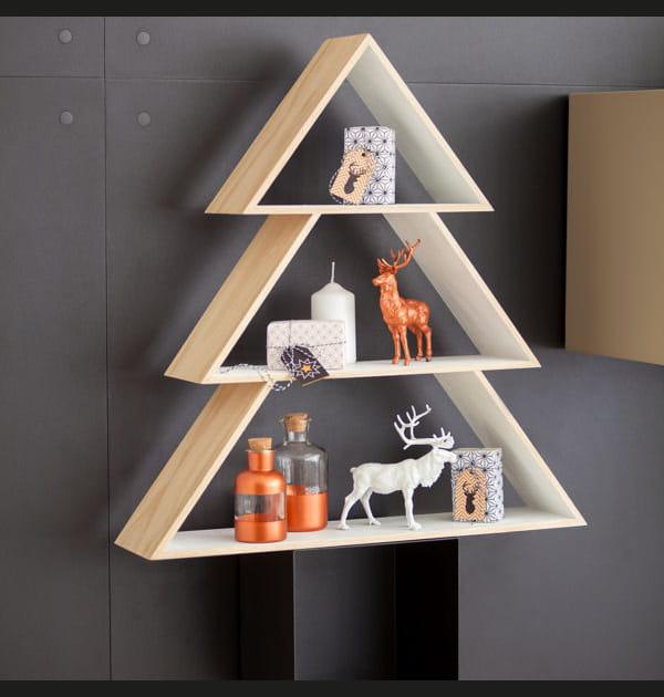 Un sapin de Noël graphique, en étagères