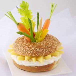bagels de gruyère en mikado de légumes craquants