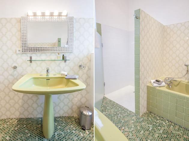 salle de bains vert d 39 eau. Black Bedroom Furniture Sets. Home Design Ideas