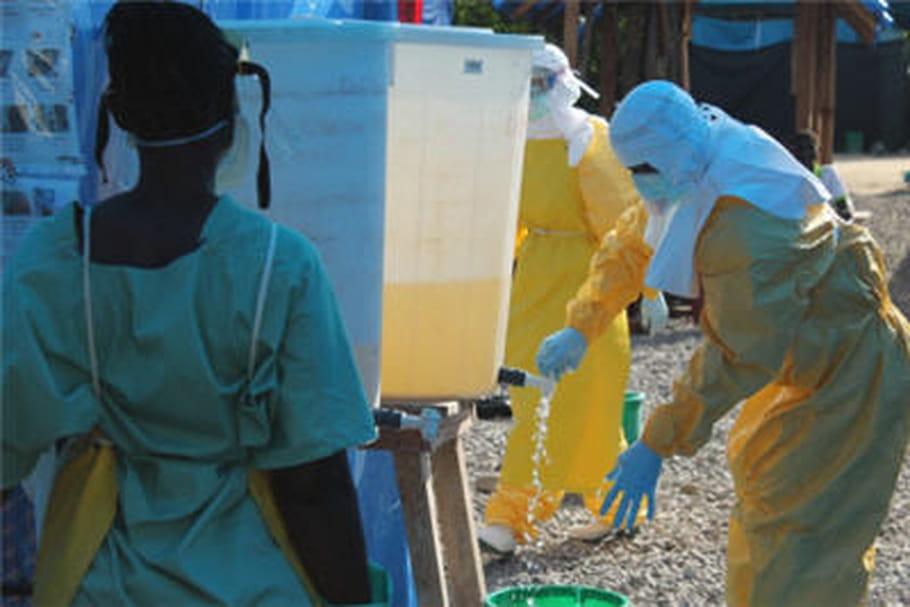 """Ebola: """"Les Etats ont rallié une sorte de coalition mondiale de l'inaction"""""""